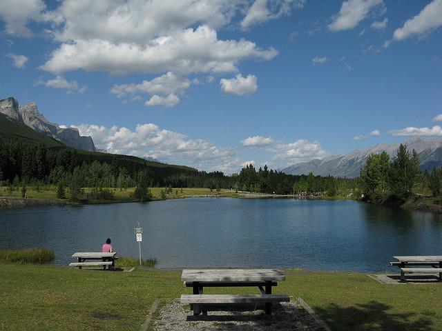Quarry Lake Recreation Area near Canmore - Swim Guide